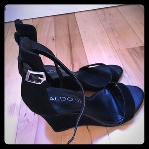 Also black strap wedge sandals size 7!